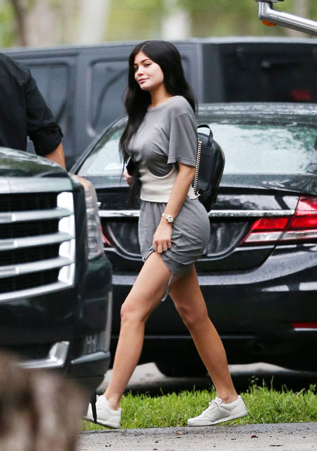 Kylie Jenner flashes her thigh as she leaves the set where her boyfriend Travis Scott is recording his last music video in Miami. Miami, Florida on Wednesday, June 7, 2017.(Photo by Thibault Monnier/PacificCoastNews)