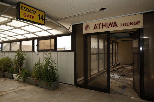 A lounge is seen at the former Athens International airport, Hellenikon June 17, 2014. (Photo by Yorgos Karahalis/Reuters)