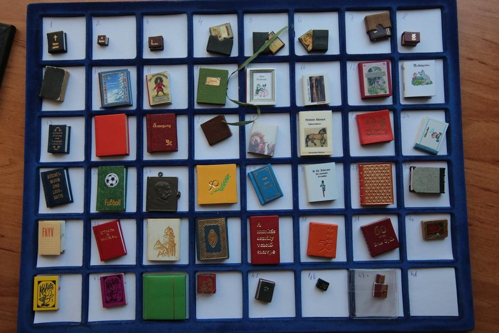 Miniature Books Collecting by Jozsef Tari