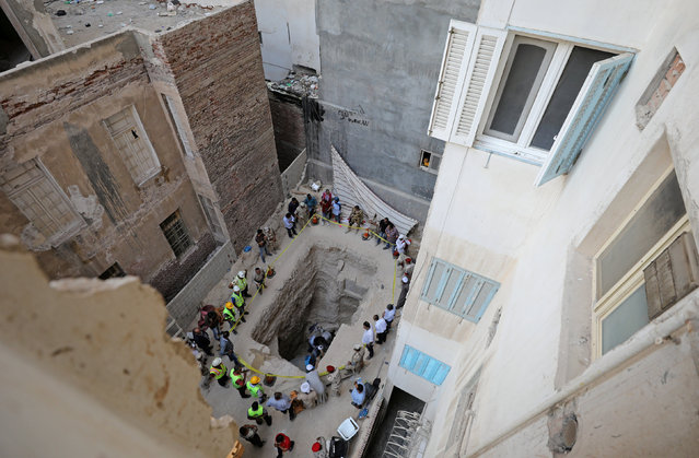 General view of the residential area where a coffin containing three mummies was discovered in Alexandria, Egypt July 19, 2018. (Photo by Mohamed Abd El Ghany/Reuters)