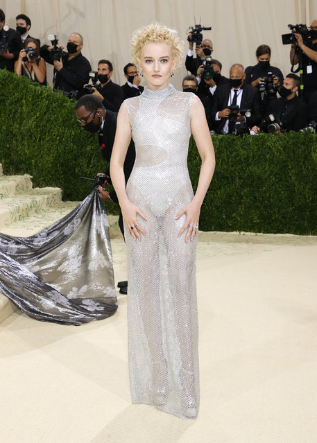 American actress Julia Garner attends The 2021 Met Gala Celebrating In America: A Lexicon Of Fashion at Metropolitan Museum of Art on September 13, 2021 in New York City. (Photo by Mike Coppola/Getty Images)