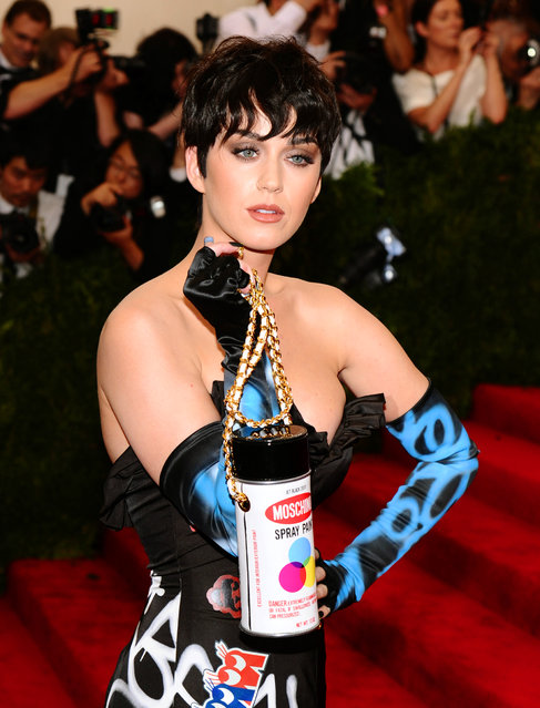 """Katy Perry arrives at The Metropolitan Museum of Art's Costume Institute benefit gala celebrating """"China: Through the Looking Glass"""" on Monday, May 4, 2015, in New York. (Photo by Charles Sykes/Invision/AP Photo)"""