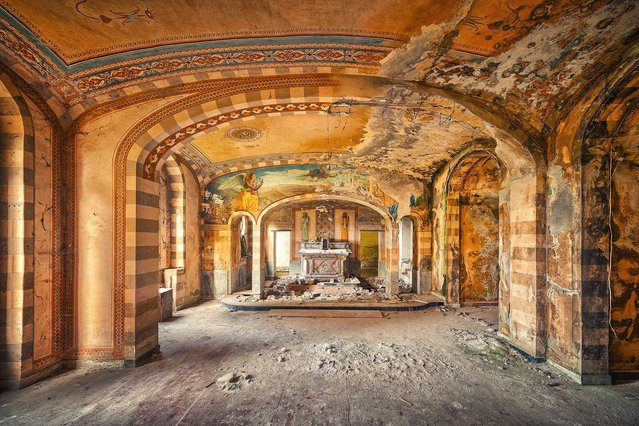 The Golden Chapel. (Photo by Matthias Haker/Caters News)