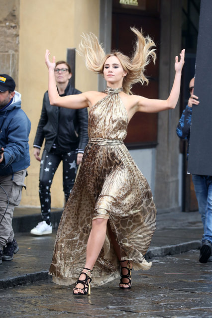 Suki Waterhouse is seen shooting a spot for  Salvatore Ferragamo in Florence, Italy on May 10, 2017. (Photo by Splash News and Pictures)