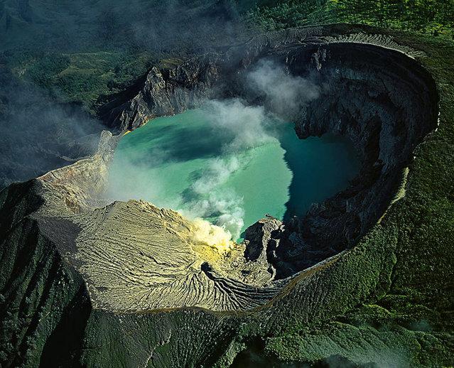 Sulfur mining in Kawah Ijen Lake