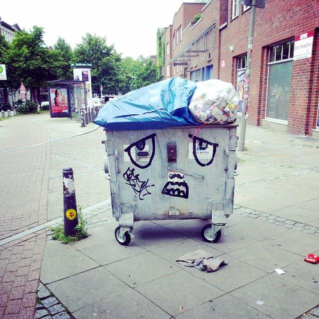 """Dinge mit Gesicht"". Hamburg, 2012. (Photo by Tanja Djordjevic)"