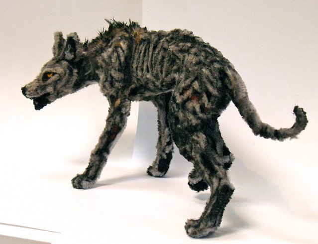 Mange. Made from 100% chenille stems (pipe cleaners). (Photo by Lauren Ryan)