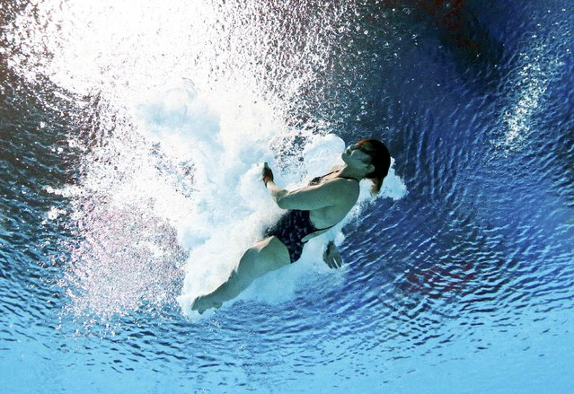 Melissa Wu of of Australia is seen underwater during the women's 10m platform semi final at the Aquatics World Championships in Kazan, Russia July 29, 2015. (Photo by Stefan Wermuth/Reuters)