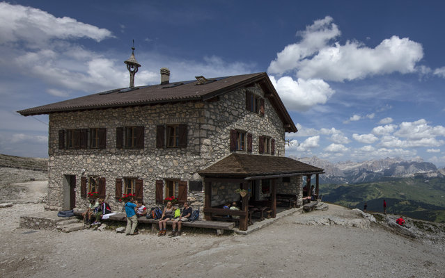 The Rifugio Franz Kostner, located at 8,336 feet (2550 meters) in the Dolomite Mountains, is seen near Corvara in northern Italy July 16, 2015. (Photo by Bob Strong/Reuters)