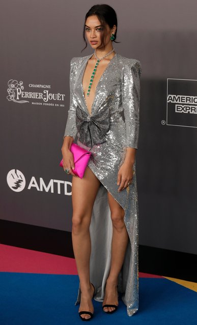Australian model Shanina Shaik poses on the red carpet during the fundraising gala organized by amfAR (The Foundation for AIDS Research) in Hong Kong Monday, March 26, 2018. (Photo by Vincent Yu/AP Photo)