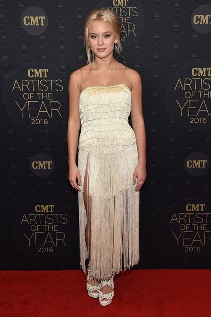 Singer Zara Larsson arrives on the red carpet at CMT Artists of the Year 2016 on October 19, 2016 in Nashville, Tennessee. (Photo by John Shearer/Getty Images for CMT)