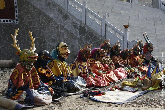 Lamas attend the Tiaoqian praying ceremony