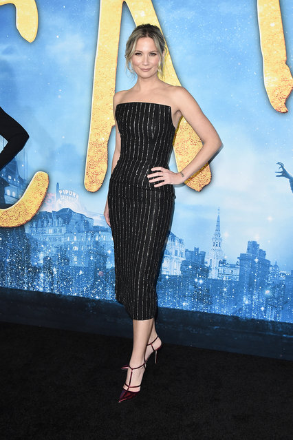 "Jennifer Nettles attends the world premiere of ""Cats"" at Alice Tully Hall, Lincoln Center on December 16, 2019 in New York City. (Photo by Steven Ferdman/Getty Images)"