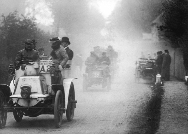 Pioneer motorist and aviator Frank Hedges Butler in his Panhard car, followed by Mr Astell in a New Orleans, a mile outside St. Albans on the return leg of the Automobile Club 1,000 mile trial, 1900. (Photo by Edgar Scamell)