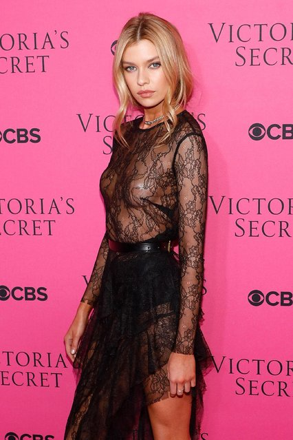 Stella Maxwell attends the Victoria's Secret Viewing Party Pink Carpet celebrating the 2017 Victoria's Secret Fashion Show in Shanghai at Spring Studios on November 28, 2017 in New York City. (Photo by Taylor Hill/FilmMagic)
