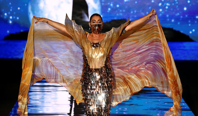 Actor Rossy de Palma presents a creation by designer Andres Sarda during the Mercedes Benz Fashion Week amid the coronavirus disease (COVID-19) outbreak in Madrid, Spain, September 10, 2020. (Photo by Sergio Perez/Reuters)