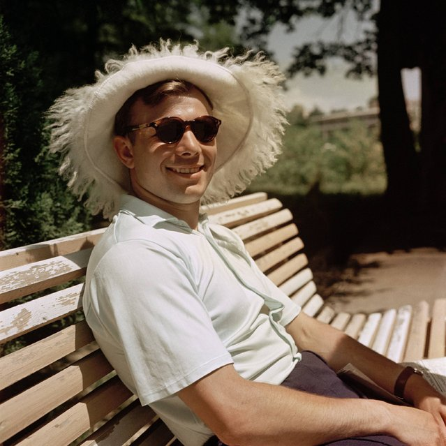 Gagarin does not always show up in full-scale astronautics. In this picture he smiles during his summer vacation in Sochi, Russia in 1961 with sunglasses and sunhat in the camera. (Photo by Imago/Eastnews)