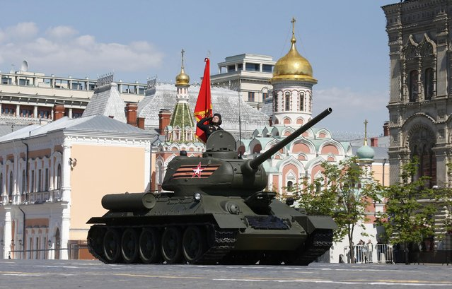 A T-34 Soviet-made tank drives during the Victory Day parade, marking the 71st anniversary of the victory over Nazi Germany in World War Two, at Red Square in Moscow, Russia, May 9, 2016. (Photo by Grigory Dukor/Reuters)