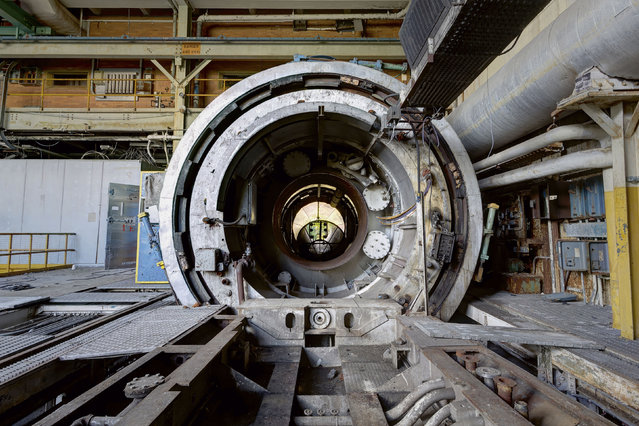 Jet engine testing cell in New Jersey. (Photo by Daniel Barter/Caters News)