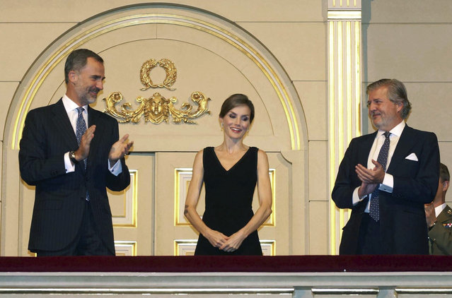 "Spain's King Felipe VI and Queen Letizia attend the performance of Giuseppe Verdi's opera ""Otello"" at the Teatro Real (Royal Theater) in Madrid, Spain, 15 September 2016, on the occassion of the opening of the Royal Theatre's opera season. (Photo by Javier del Real/EFE)"