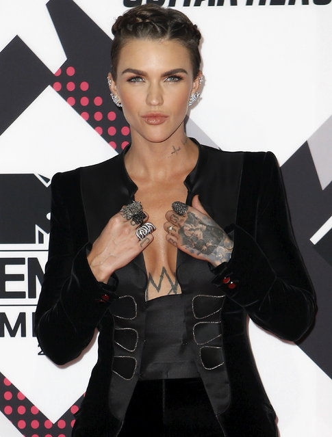 Australian model Ruby Rose poses on the red carpet during the MTV EMA awards at the Assago forum in Milan, Italy, Sunday, October 25, 2015. (Photo by Alessandro Garofalo/Reuters)