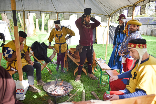 Competitors take part in the International Medieval Combat Federation World Championships at Scone Palace on May 10, 2018 in Perth, Scotland. Thousands of visitors are expected to attend the crowning place of Scottish Kings, Scone Palace for the IMCF World Championships which has five hundred competitors and officials from all over the world, from the UK to as far afield as Australia, South Africa and Mexico. (Photo by Jeff J. Mitchell/Getty Images)