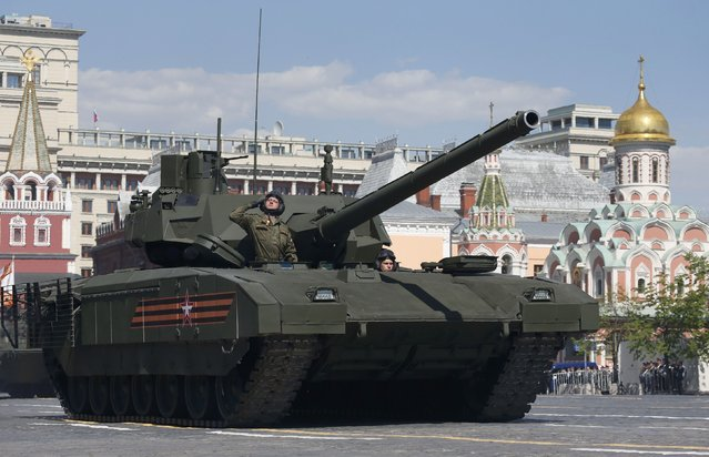 A Russian T-14 tank with the Armata Universal Combat Platform drives during the Victory Day parade, marking the 71st anniversary of the victory over Nazi Germany in World War Two, at Red Square in Moscow, Russia, May 9, 2016. (Photo by Grigory Dukor/Reuters)