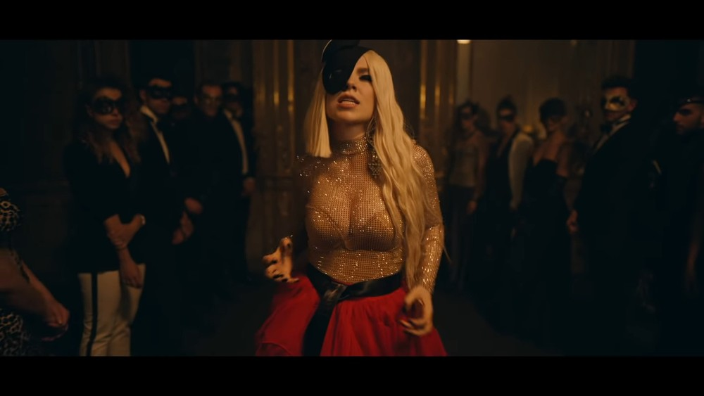 Clip of the Day: Ava Max – Torn (Official Music Video)
