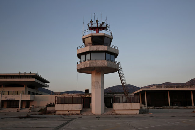 An auxiliary control tower stands in front of the east terminal of the former Athens International airport, Hellenikon June 16, 2014.(Photo by Yorgos Karahalis/Reuters)