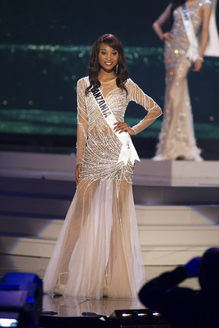Nale Boniface, Miss Tanzania 2014 competes on stage in her evening gown during the Miss Universe Preliminary Show in Miami, Florida in this January 21, 2015 handout photo. (Photo by Reuters/Miss Universe Organization)