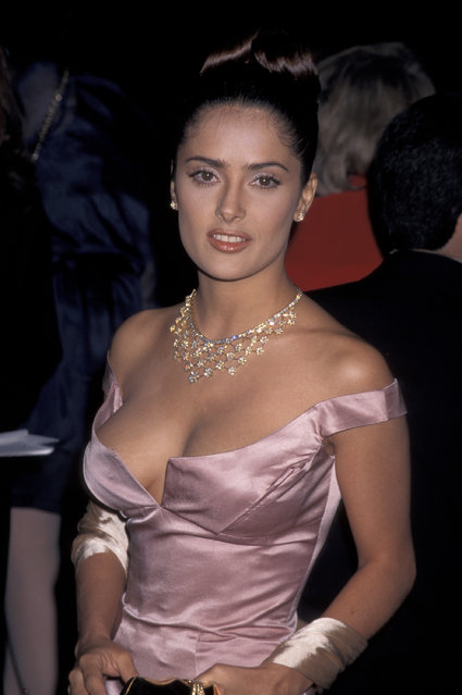 Salma Hayek attends the 18th Annual Cable ACE Awards in Los Angeles, California on November 16, 1996. (Photo by Jim Smeal/Ron Galella Collection via Getty Images)