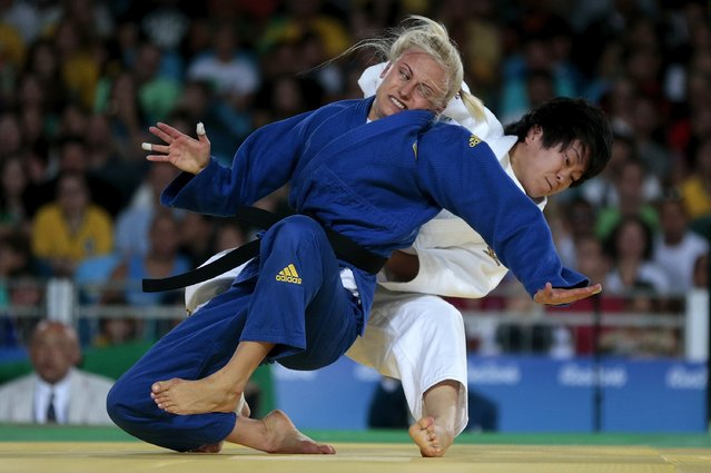 Yuliya Halinska of Ukraine and Shizuka Hangai of Japan compete during the women's 48 kg bronze medal match on Day 1 of the Rio 2016 Paralympic Games at Carioca Arena 3 on September 8, 2016 in Rio de Janeiro, Brazil. (Photo by Alexandre Loureiro/Getty Images)