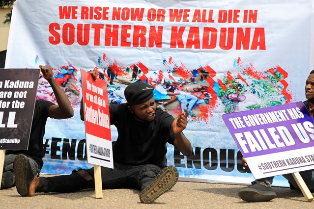 People gather to protest the incessant killings in southern Kaduna and insecurities in Nigeria, at the U.S. embassy in Abuja, Nigeria on August 15, 2020. (Photo by Afolabi Sotunde/Reuters)