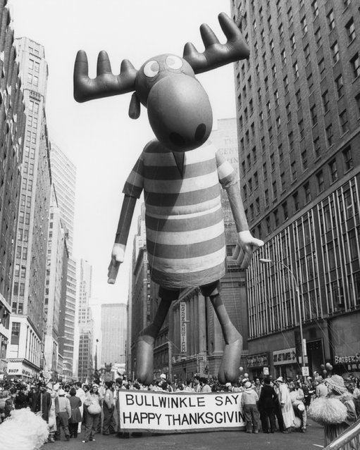 The Bullwinkle balloon floats high above the crowd during the 1977 Macy's Thanksgiving Day Parade. (Photo by NBCU Photo Bank)