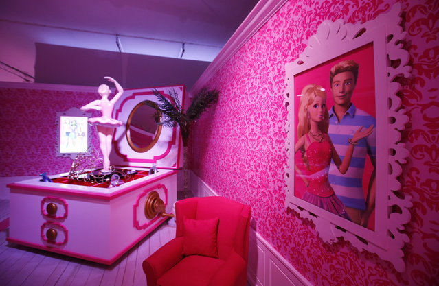 """A room is pictured inside a """"Barbie Dreamhouse"""" of Mattel's Barbie dolls in Berlin, May 16, 2013. (Photo by Fabrizio Bensch/Reuters)"""