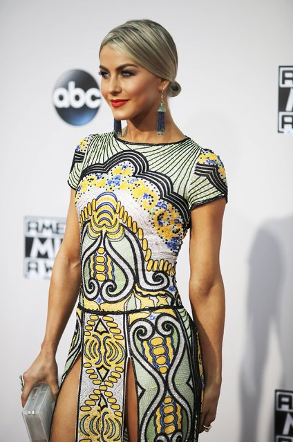 Actress Julianne Hough arrives at the 2015 American Music Awards in Los Angeles, California November 22, 2015. (Photo by David McNew/Reuters)