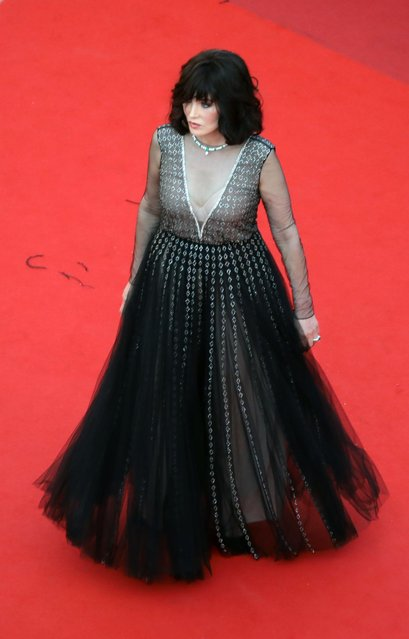 """French actress Isabelle Adjani poses as she arrives for the screening of the film """"De Son Vivant"""" (Peaceful) at the 74th edition of the Cannes Film Festival in Cannes, southern France, on July 10, 2021. (Photo by Reinhard Krause/Reuters)"""