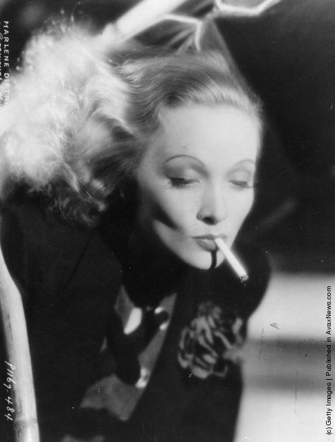 1932: Legendary glamorous German singer and actress Marlene Dietrich (1901 - 1992) in a promotional portrait