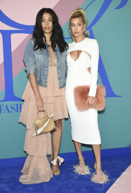 Aurora James, left, and Hailey Baldwin attend the CFDA Fashion Awards at the Hammerstein Ballroom on Monday, June 5, 2017, in New York. (Photo by Evan Agostini/Invision/AP Photo)