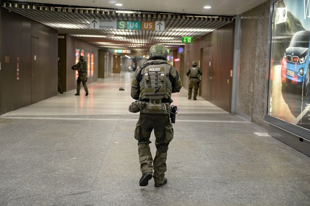 Special police secures the area in the underground station Karlsplatz (Stachus) after a shootout in Munich, Germany, 22 July 2016. (Photo by Andreas Gebert/EPA)