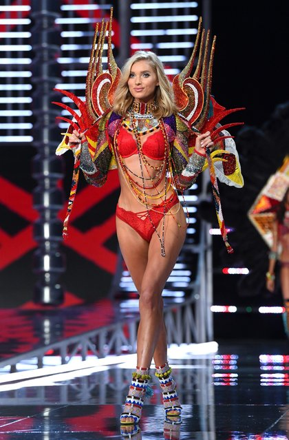 Elsa Hosk presents a creation during the 2017 Victoria's Secret Fashion Show in Shanghai, China, November 20, 2017. (Photo by David Fisher/Rex Features/Shutterstock)