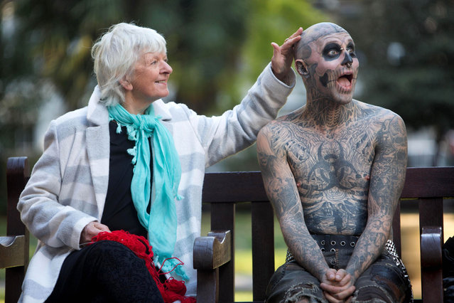 """Diane Crush meets Rick Genest, also known as """"Zombie Boy"""", in London this morning, October 5, 2016 to celebrate the launch of """"Platform 15"""" – a new live action scare maze at Thorpe Park Resort, marking the 15th anniversary of Fright Nights, returning on October 7th 2016. (Photo by David Parry/PA Wire)"""