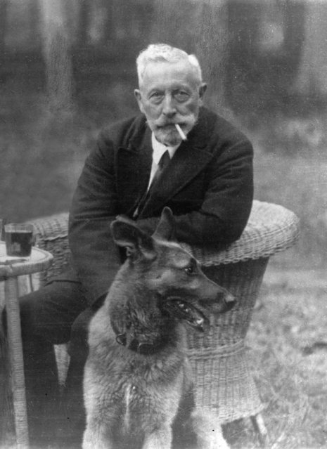 Germany's former Kaiser Wilhelm II poses with his favourite dog for his official 70th birthday portrait, in exile in Doorn, Netherlands, January 27, 1929. Wilhelm II abdicated Germany's throne, Nov. 10, 1918, at the close of the First World War, and was exiled to the   Netherlands. (Photo by AP Photo)