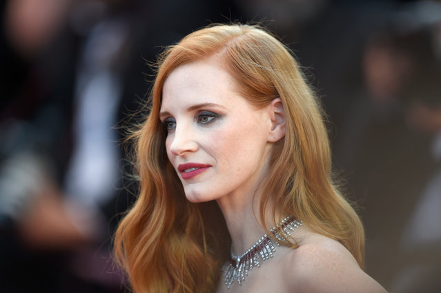 """Jessica Chastain attends the """"Ismael's Ghosts (Les Fantomes d'Ismael)"""" screening and Opening Gala during the 70th annual Cannes Film Festival at Palais des Festivals on May 17, 2017 in Cannes, France. (Photo by Antony Jones/Getty Images)"""