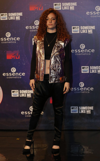 Singer Jess Glynne arrives on the carpet before the 2014 MTV Europe Music Awards at the SSE Hydro Arena in Glasgow. (Photo by Russell Cheyne/Reuters)