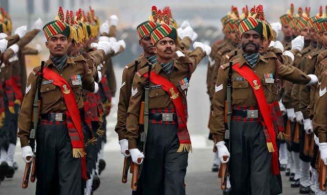 Soldiers take part in a rehearsal for India's Republic Day parade in New Delhi, India January 17, 2017. (Photo by Cathal McNaughton/Reuters)