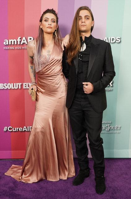 Paris Jackson (L) and Gabriel Glenn attend the 2019 amfAR Gala Los Angeles at Milk Studios on October 10, 2019 in Los Angeles, California. (Photo by Rachel Luna/FilmMagic)