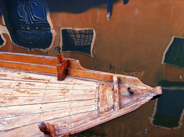 """Venice Reflections"". Photo location: Venice. (Photo and caption by Halszka Tutaj-Gasinska/National Geographic Photo Contest)"