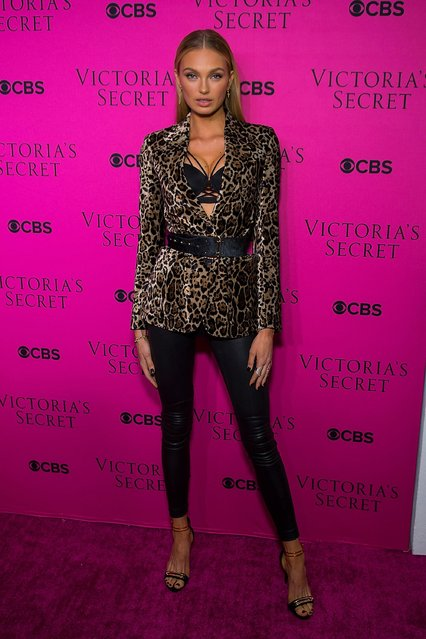 Romee Strijd attends the 2017 Victoria's Secret Fashion Show viewing party pink carpet at Spring Studios on November 28, 2017 in New York City. (Photo by Michael Stewart/WireImage)