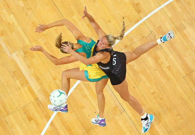 Casey Kopua of the Silver Ferns and Erin Bell of the Diamonds compete for the ball during the International Test match between the Australia Diamonds and the New Zealand Silver Ferns at Hisense Arena on October 25, 2015 in Melbourne, Australia. (Photo by Scott Barbour/Getty Images)